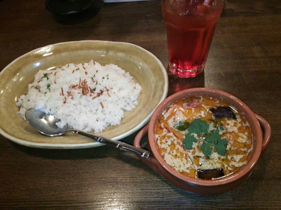 【忍野村 グルメ】gladly/グラッドリー(洋食&エスニック料理)