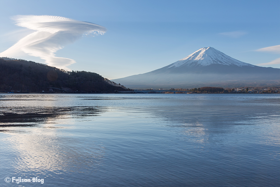【富士山写真】2018年河口湖からの吊るし雲と富士山